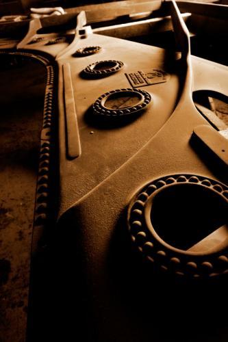 Rohe Gussplatte eines Steinway & Sons D-274-Konzertflügels
